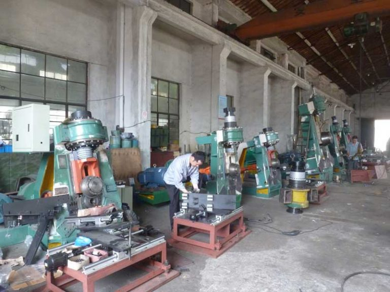 The different of vertical roller machine and horizonta roller machine